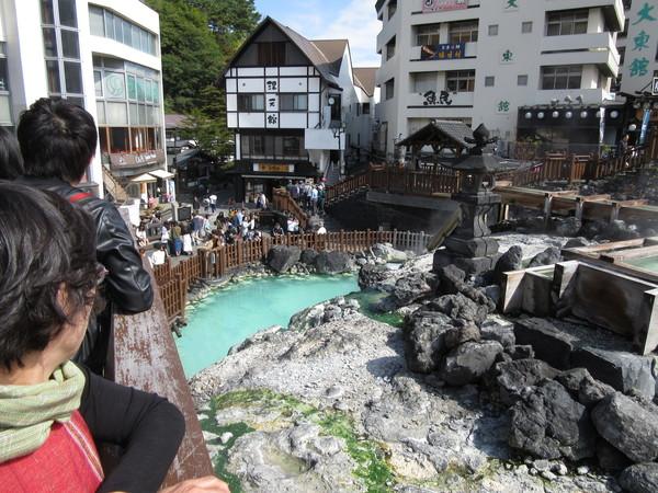 草津温泉/観光客で賑わう湯畑・大滝乃湯で温泉三昧